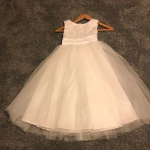 Preowned White Kid Collection Flower Girl Dress -8